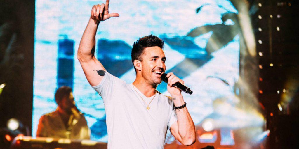 Jake Owen is headlining the 2019 Country Thunder Music Festival in Saskatchewan