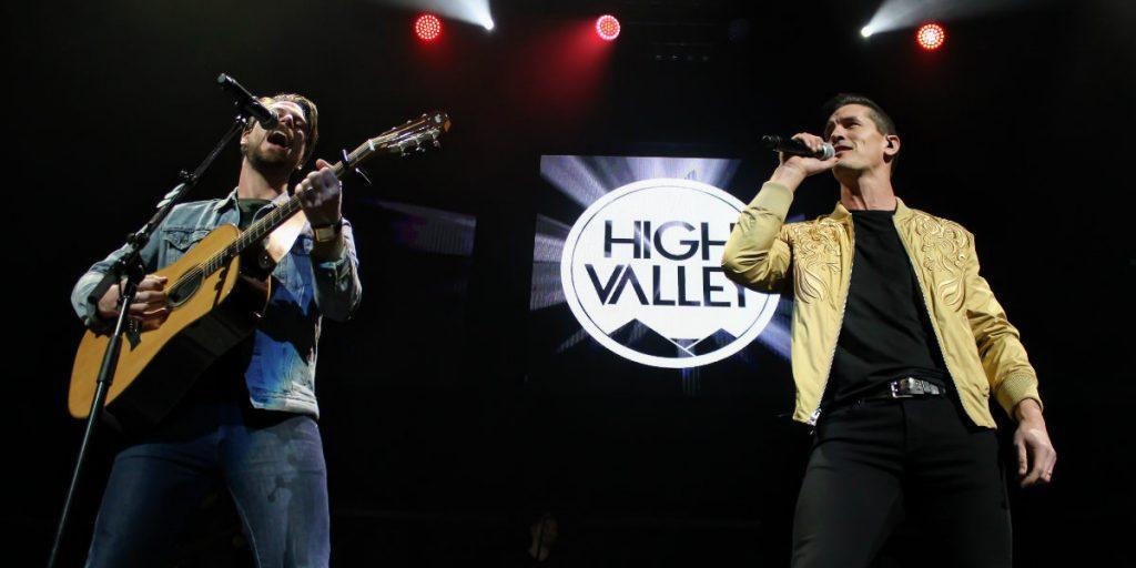 Canadian duo High Valley perform in Edmonton Alberta