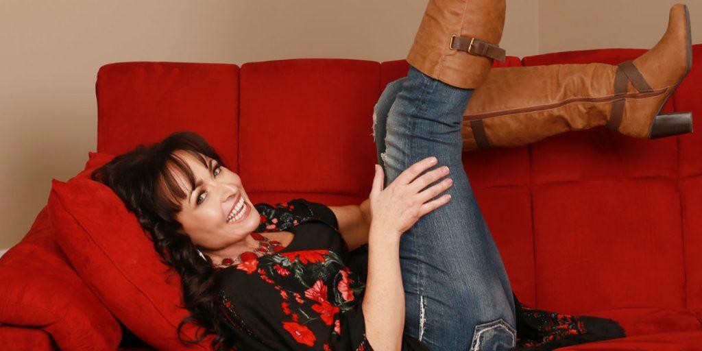 "Ottawa country artist Arlene Quinn talks about her single ""Jackpot"""
