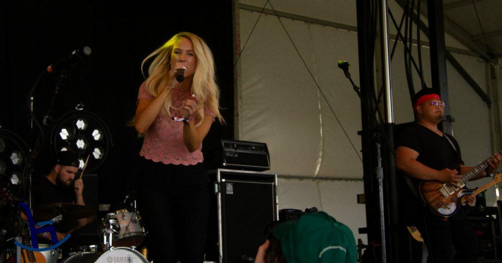 Amber-Jo Bowman performing at Boots & Hearts
