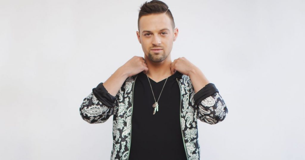 """Canadian country artist Shawn Richard Talks about new single """"Right Side of Wrong"""""""