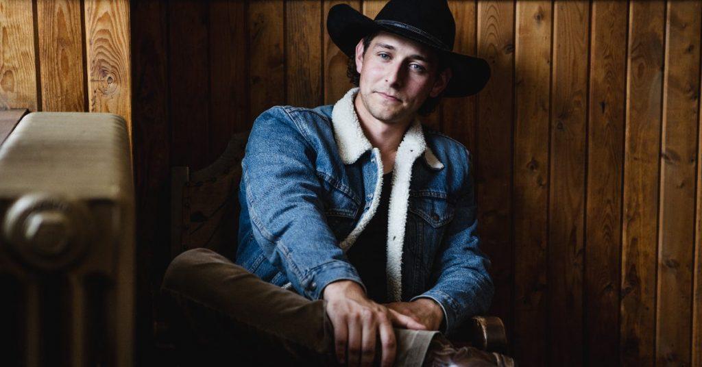 Country artist Ryan Lindsay