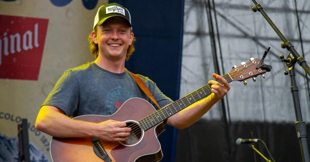 Riley Taylor performing on the Boots & Hearts Stage